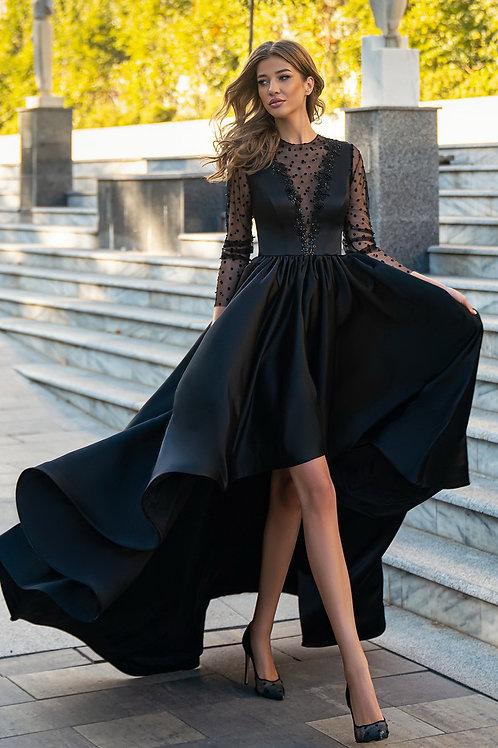 Эффектное каскадное платье