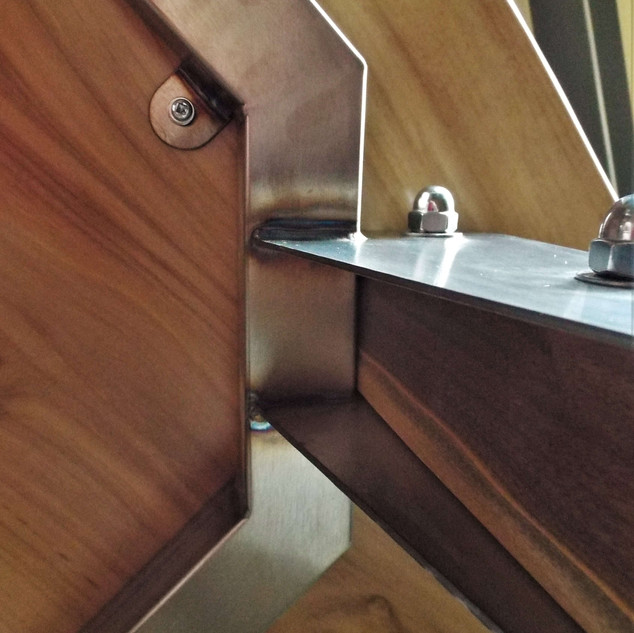 Stainless Steel Frame & Leg Bracket