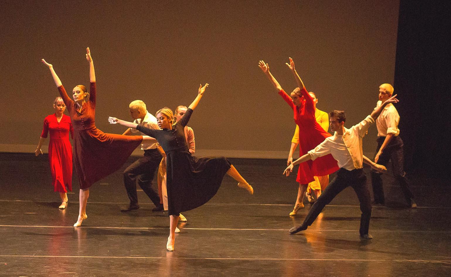 "'OVERGROWN PATH"" excerpt, choreographed by Jiri Kylian"