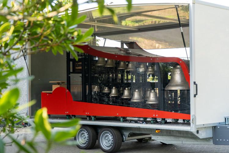 Toerbeiaard op trailer