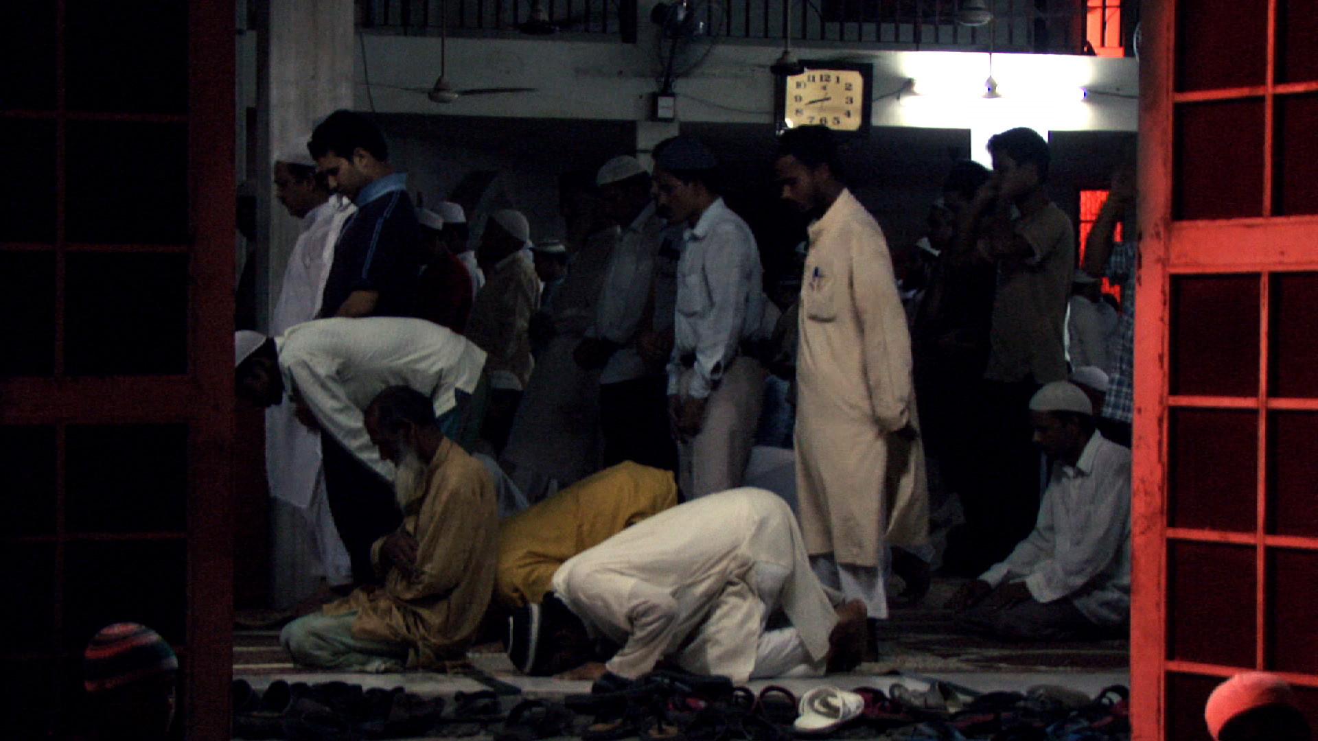 Masjid Prayer.jpg