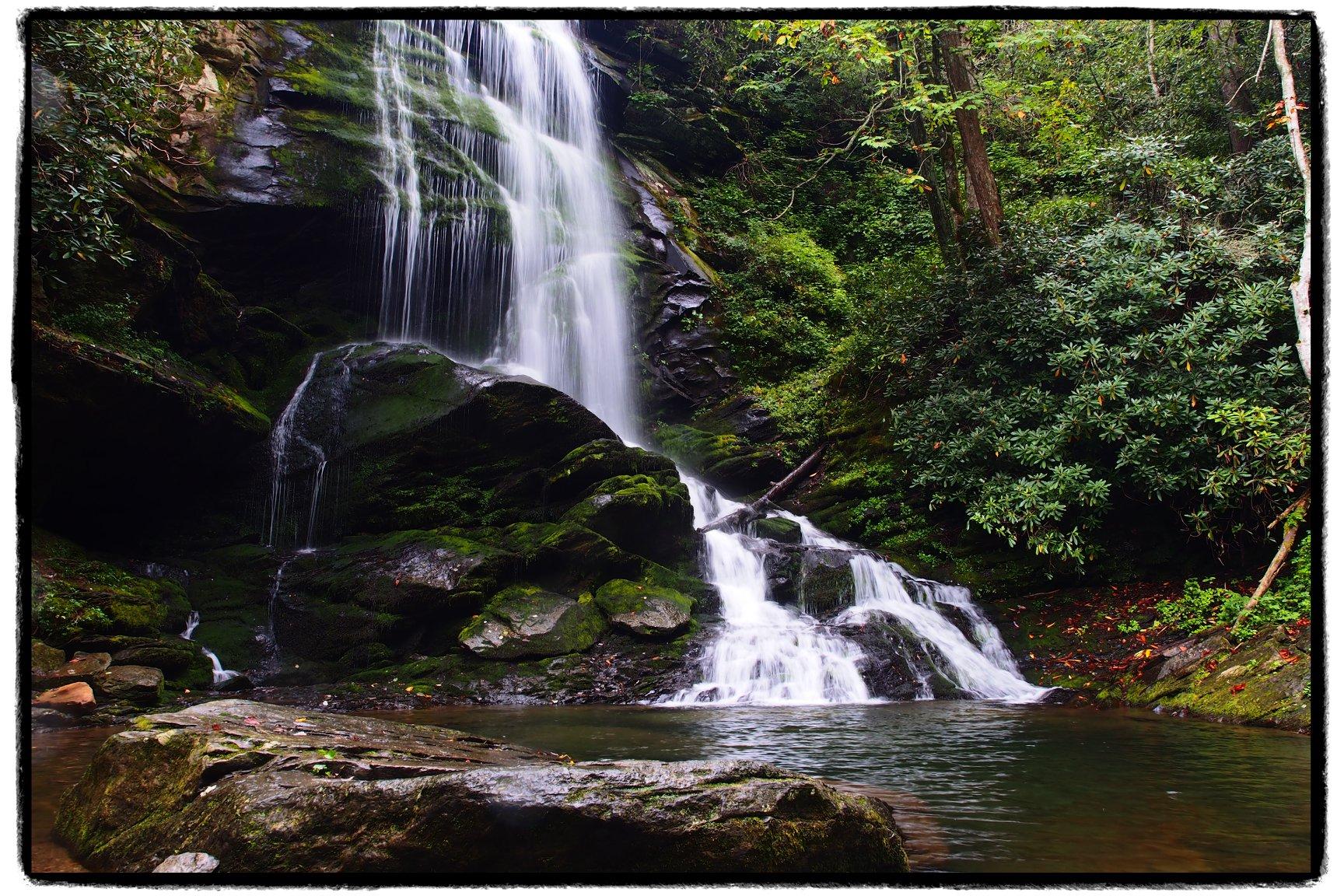 Catawba Falls Hike Tour