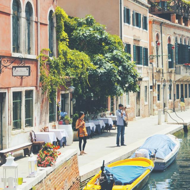 Italy holiday advert