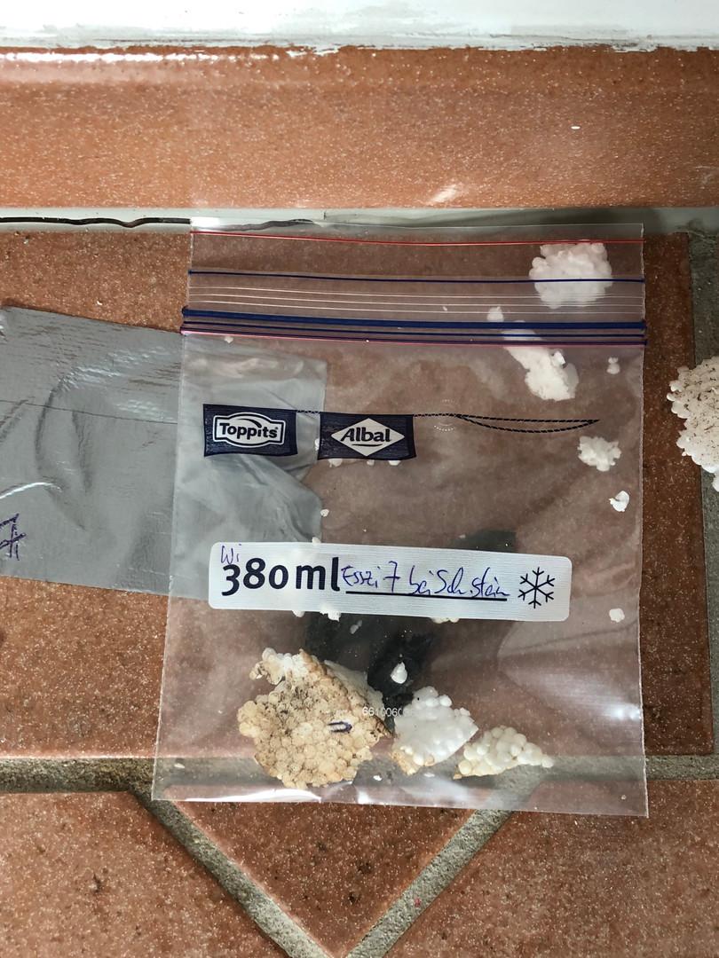 Materialprobe zur Schadstoffuntersuchung.