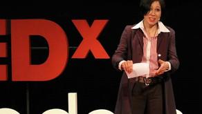 ANNA KAZUMI STAHL (ESCRITORA / DOCTORA EN LITERATURA COMPARADA)