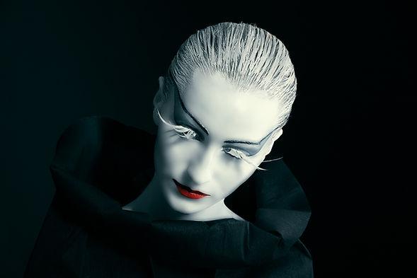 Bílý make-up