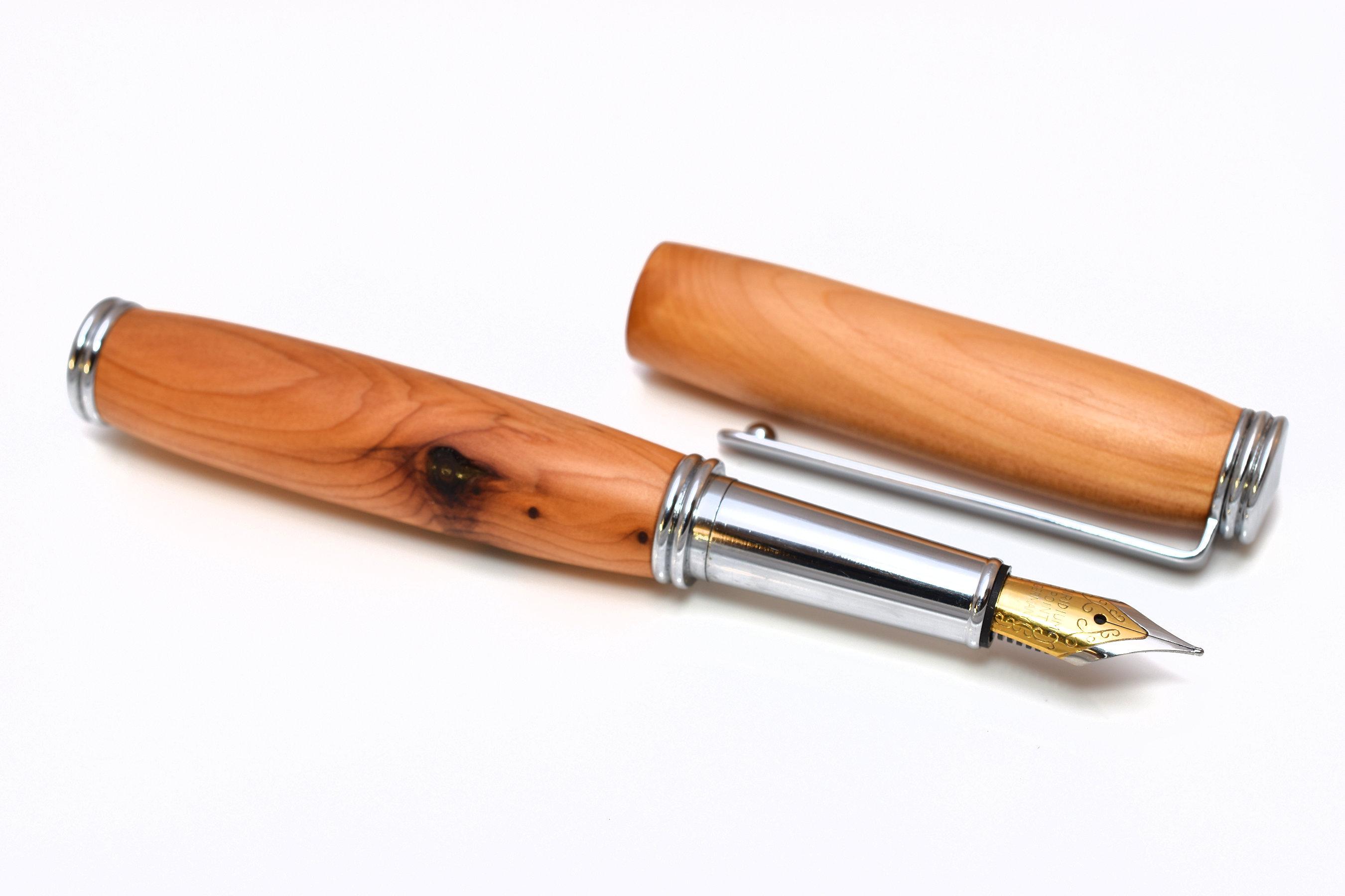 Mini Füller aus Eibenholz