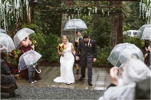 Real Snohomish Wedding: Rainy Fall Wedding at Lookout Lodge