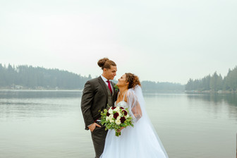 Real Snohomish Wedding: A Day by the Lake at Green Gates