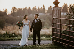 Real Snohomish Wedding: Clear Skies at Craven Farm