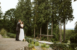 Vintage Vibes at The Lookout Lodge: The Snohomish Wedding Tour