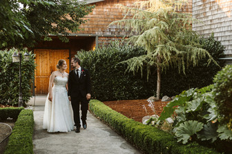 Real Snohomish Wedding: Rustic Elegance at Hidden Meadows