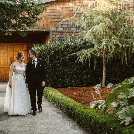 Real Snohomish Wedding: Rustic Elegance at Hidden Meadows