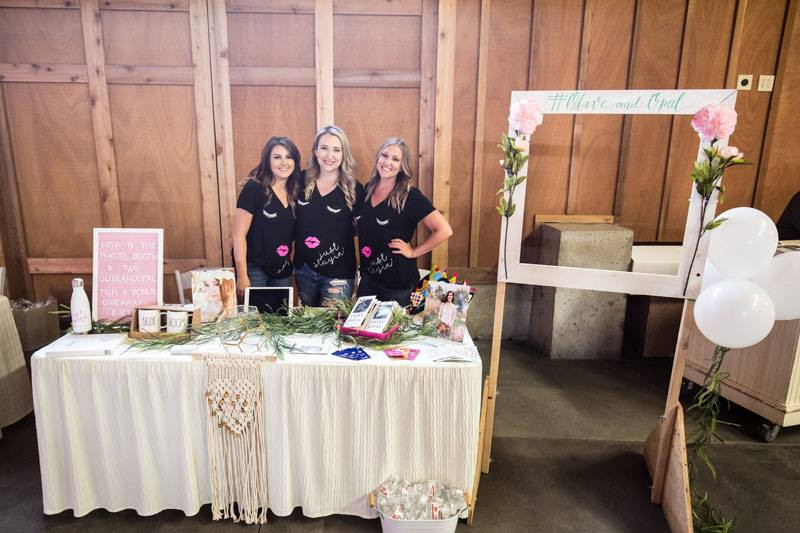Photos of a stop along The Snohomish Wedding Tour 2018 at Crossroads at Thomas Family Farms, a Snohomish wedding venue near Seattle, WA. | My Snohomish Wedding | Snohomish Wedding Planning