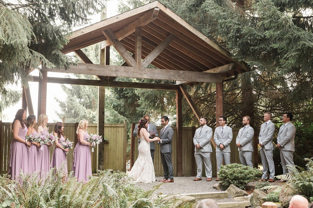 Photos from a backyard-style, forest-y wedding at Woodland Meadow Farms in Snohomish, a wedding venue near Seattle, WA. | My Snohomish Wedding | Snohomish Wedding Planning