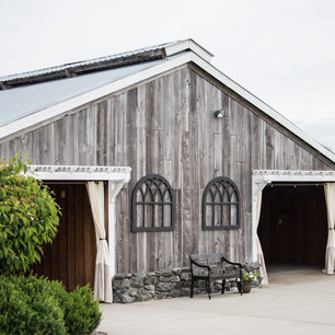 Rustic Beauty at Swans Trail Farms: The Snohomish Wedding Tour