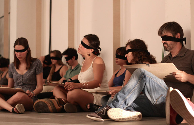 Blindfolded sound-led drawing audience