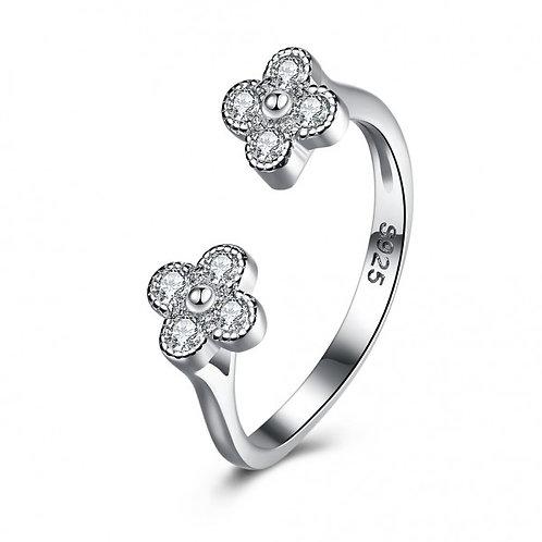 CARsandra Flower Adjustable Ring