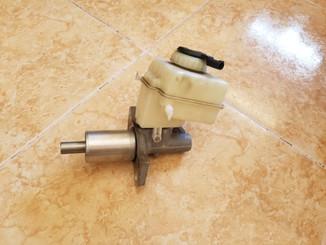 Bomba de frenos usada par BMW E70