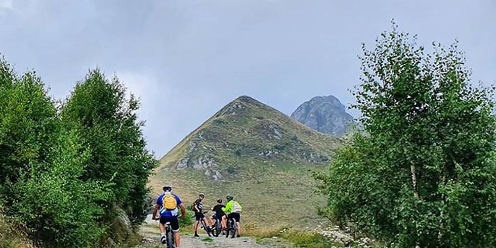 Tour in e-bike al Rifigio Salvin e Lago di Monastero