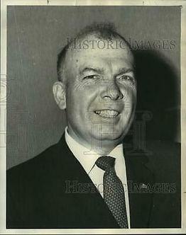 GULLEDGE 1969-Press-Photo-Eugene-Gulledg