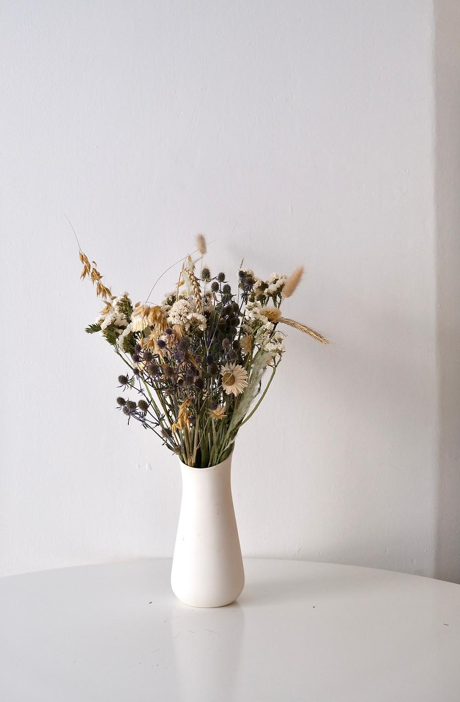 trockenblumen strauss blumenpost schweiz nachhaltig saisonal regional