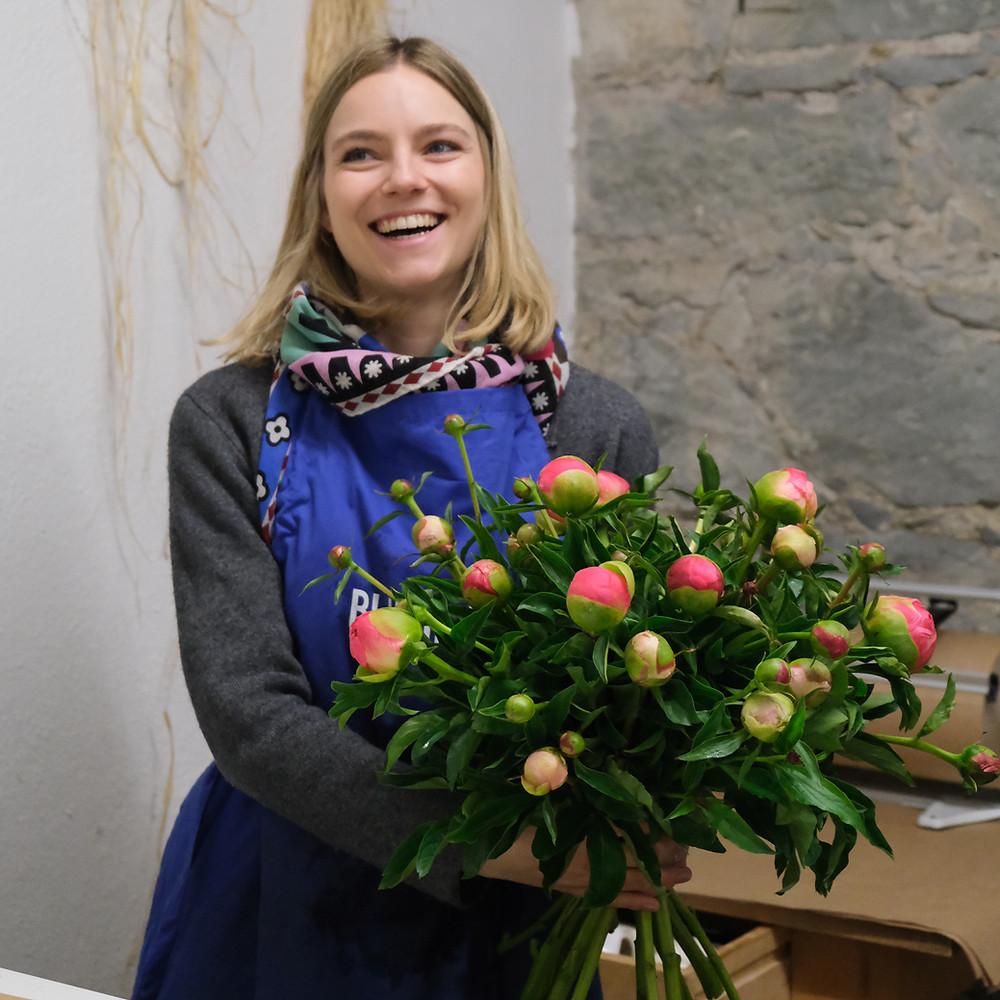 Blumenpost, Blumenstrauss, Pfingstrosen