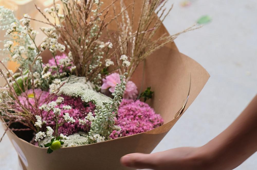 Blumenpost Blumen schenken Blumen-abo Blumenabo Geschenk Weihnachten