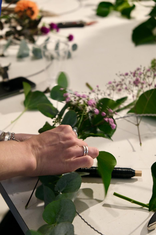 Workshops Kurse Schenken Buchen Zürich Blumen Adventskranz Advent Weihnachten