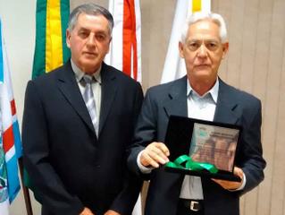 Cocatrel recebe Medalha de Mérito Legislativo em Santana da Vargem