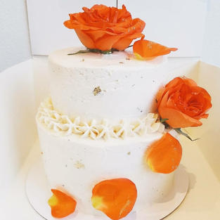2 Tier Flower Vanilla Cake