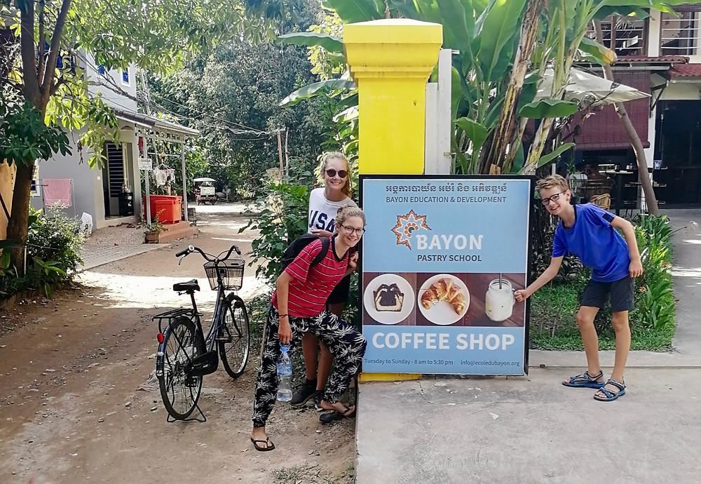 Tour du monde à vélo en famille 2018 - 2019 : Bayon Pastry School