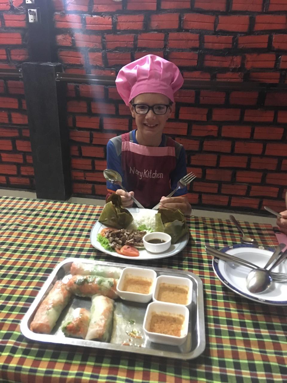 Tour du monde à vélo en famille Battambang Cambodge cours de cuisine