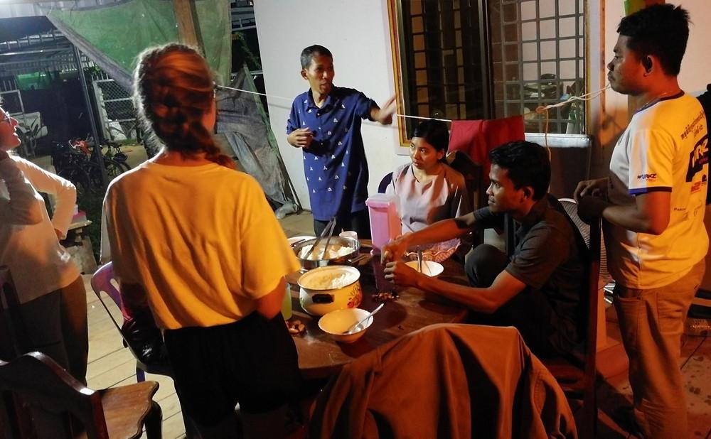 Tour du monde à vélo en famille 2018 - 2019 : Cambodge dîner