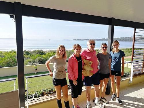 Ils nous invitent à prendre leur café dans leur incroyable maison avec vue sur Jervis Bay. Une gentillesse et une générosité hors paire  de la part de ses habitués de la France à la retraite.