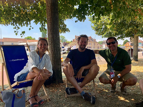 Un café improvisé a côté de leur péniche garée sur le canal à Paray le Monial, encore une belle rencontre que je dois à ma soeurette Séverine !