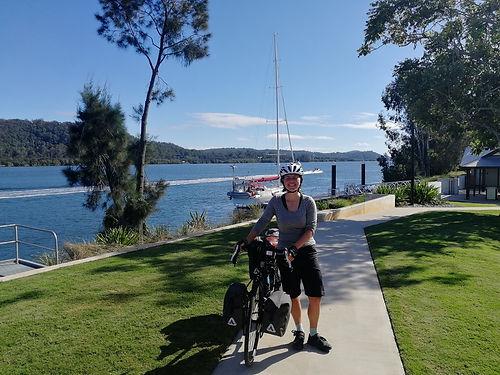 Nous rencontrons Alexandra, une Canadienne en solo qui parcourt l'Australie avant de rejoindre l'Europe . Une belle rencontre, brêve, mais qui nous permet d'échanger nos bons plans : Alexandra sur le Canada, et nous sur l'Australie qu'elle va parcourir dans le sens inverse du notre.