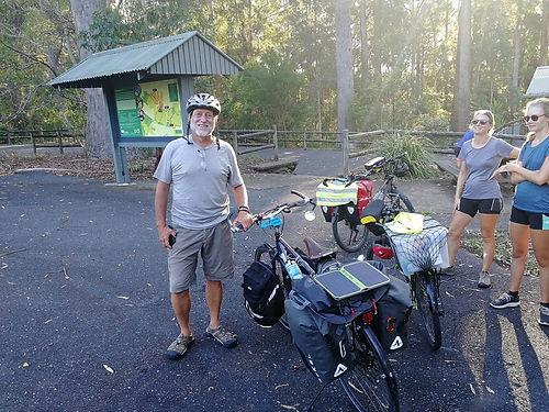 Encore un cyclotouriste Québecois qui parcoure l'Australie en solo. Nous essaierons de revoir Jeff chez lui à  Winnipeg.