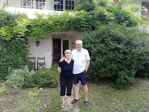 Mirella et Walter sont les parents de Ricardo. Ils nous invitent à déguster un petit déjeuner maison avant de reprendre la route. Un échange riche et plein de bienveillance qui nous laisse sous le charme de cette famille si accueillante !