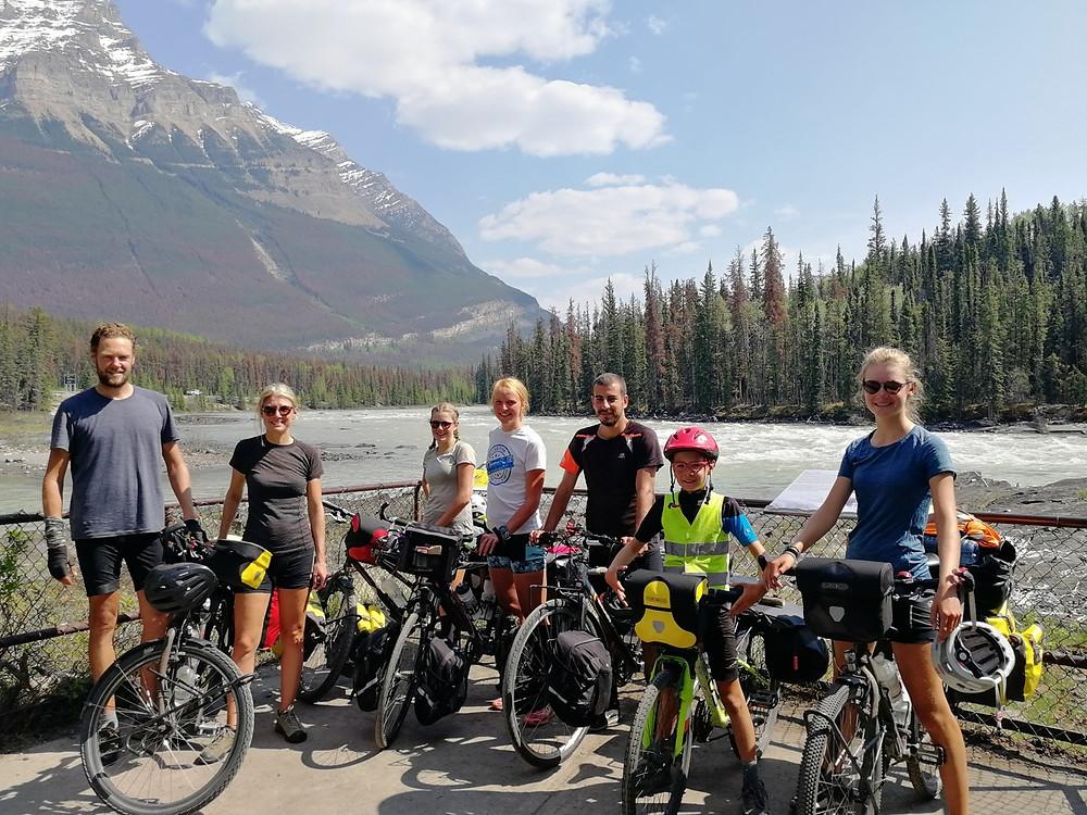 Tour du monde à vélo en famille : chutes athabasca