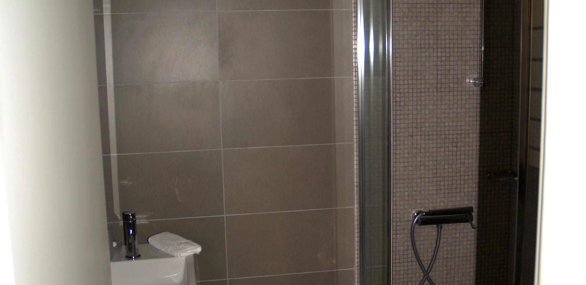 Kerassia bathroom.jpg