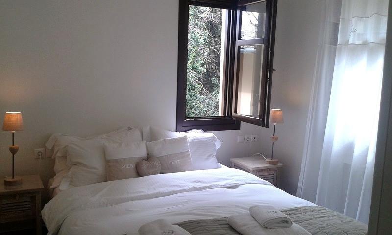 Penelope bedroom 1.jpg