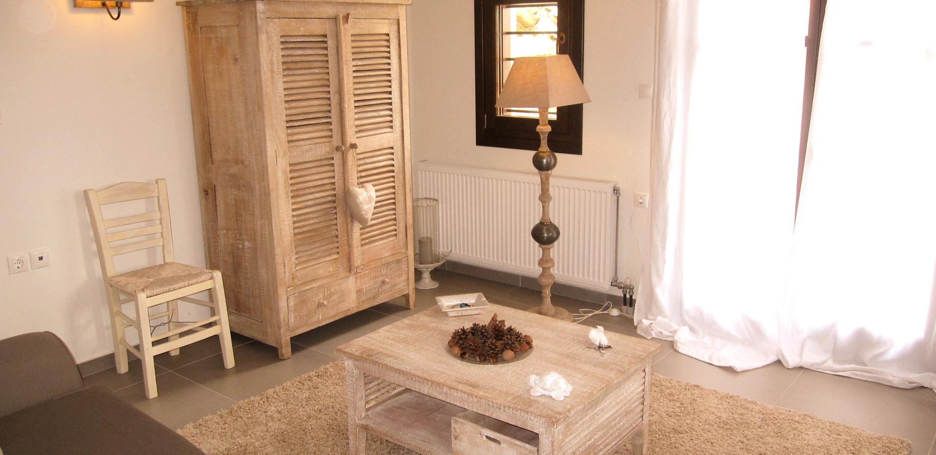 Eriphili livingroom 3.jpg