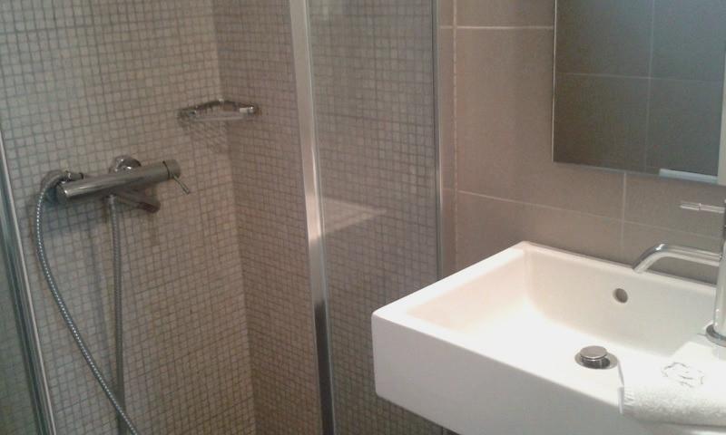 Penelope bathroom.jpg