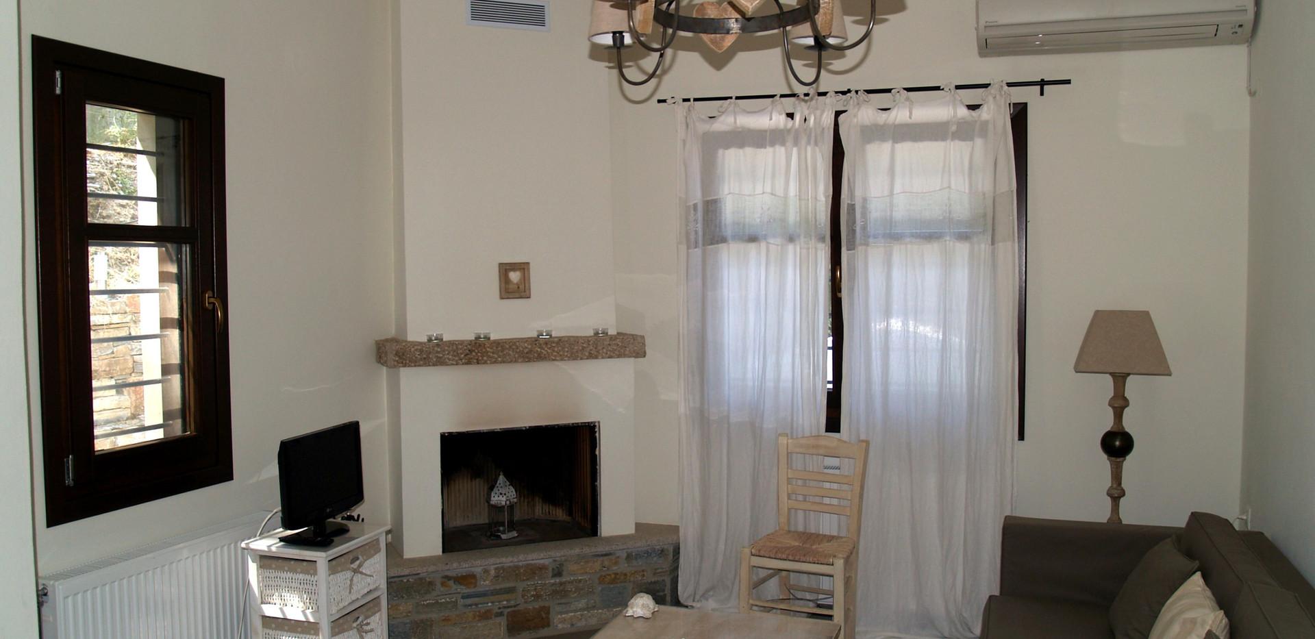 Polyxeni livingroom 2.jpg
