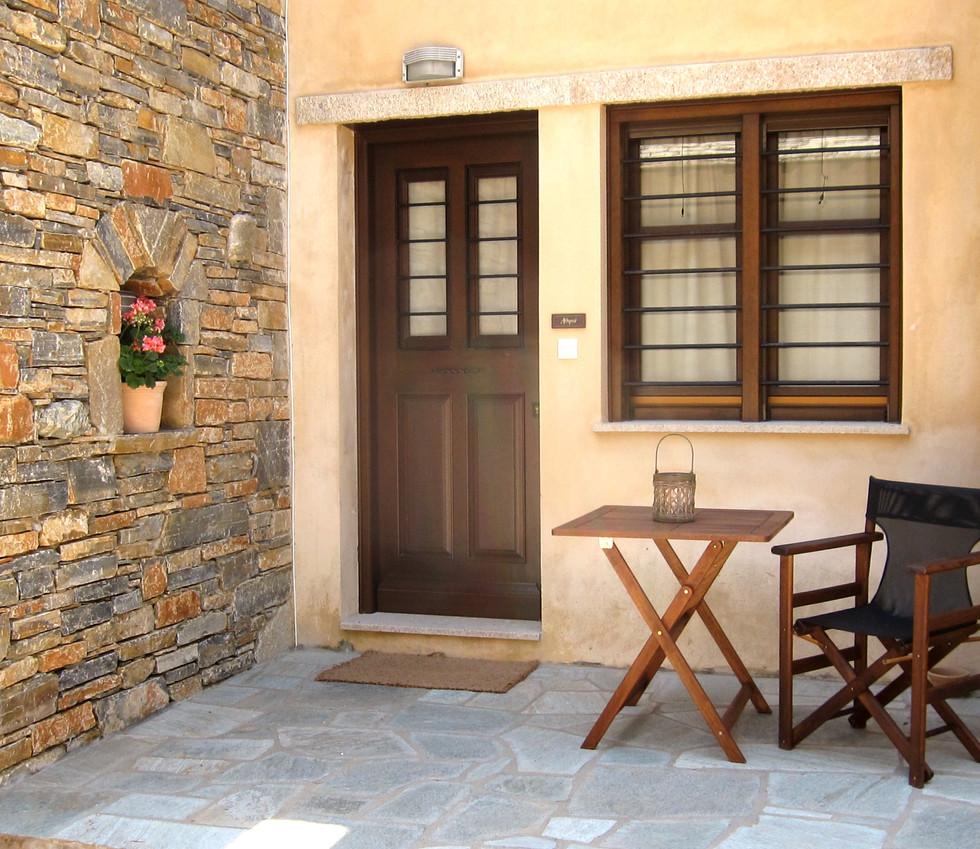 Athina balcony.jpg