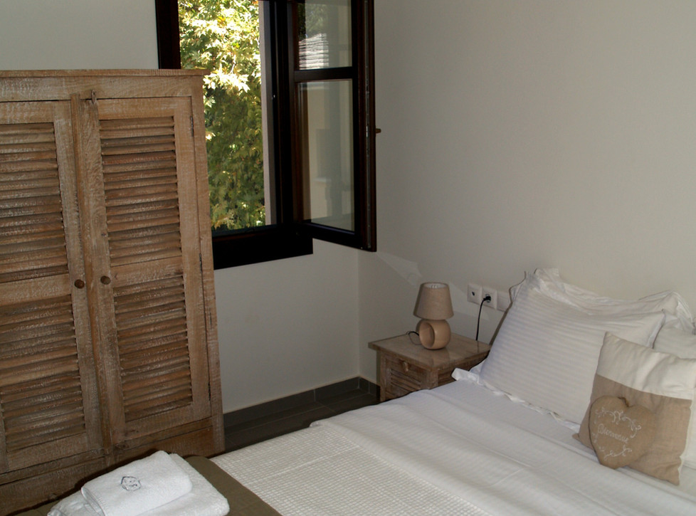Polyxeni bedroom .jpg