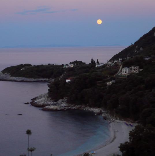 August moon.jpg