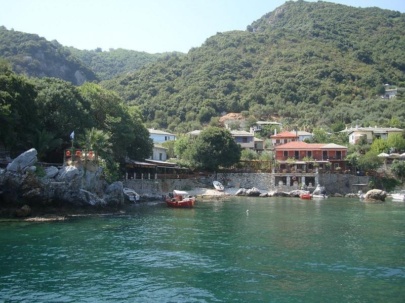 Damouchari port.jpg