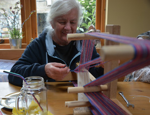 Pat Clarke teaching Inkle Weaving